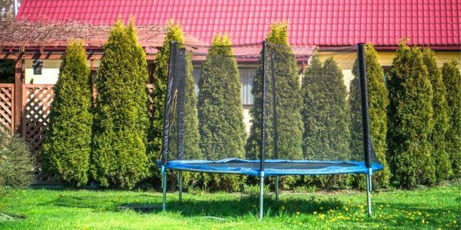 outdoor-trampoline-with-net